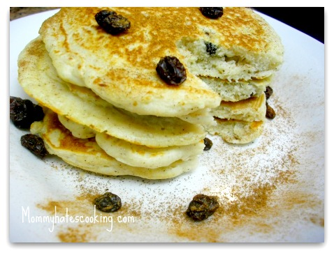 Cinnamon Raisin Pancakes
