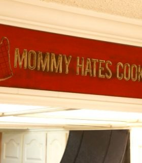 mommy hates cooking by fabbug