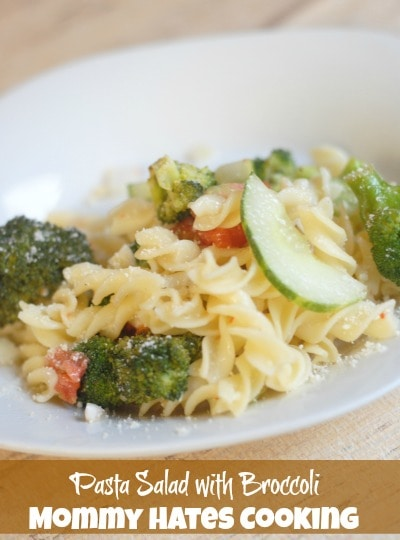 Pasta Salad with Broccoli I Mommy Hates Cooking #PMedia #ad #eMealstotheRescue