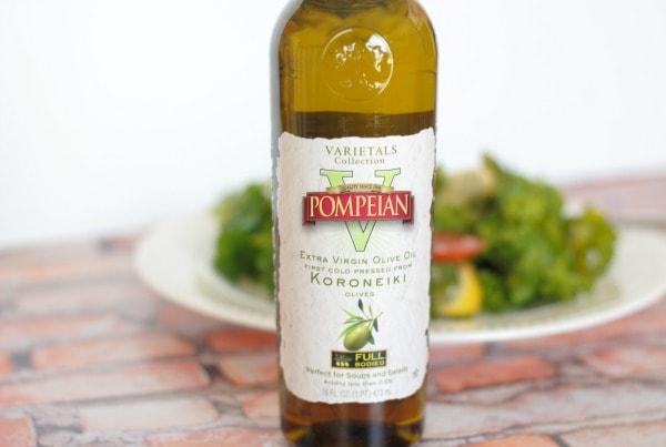 Garlic & Olive Oil Kale Salad I Mommy Hates Cooking