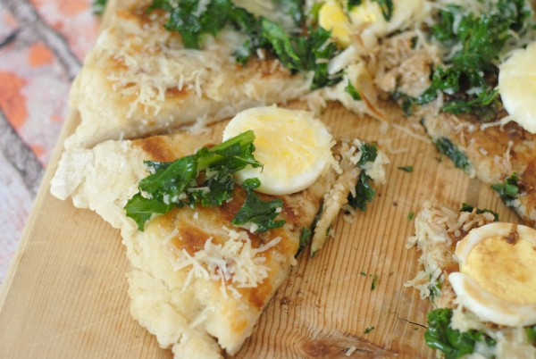 Grilled Kale & Egg Topped Pizza #GreatDay #Sponsored