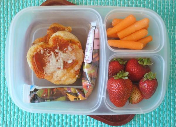 Heart Shaped Pizza #LunchboxBlogger #Sponsored #GoGurt