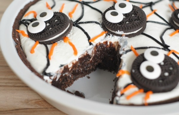 Spider Pudding Pie I Mommy Hates Cooking #TruMooHalloween #CleverGirls