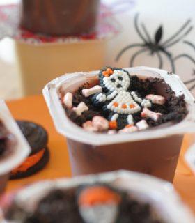 Skeleton Graveyard Snack Pack Pudding Cups