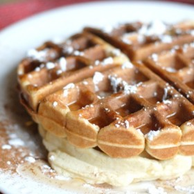 gingerbread-waffles-1