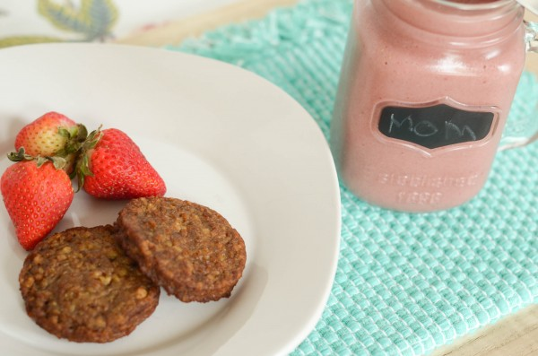 Chocolate Strawberry Smoothie I Mommy Hates Cooking #SoySwaps #ad