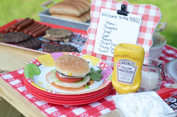 Mustard Rub Burgers #KetchupsNewMustard #ad
