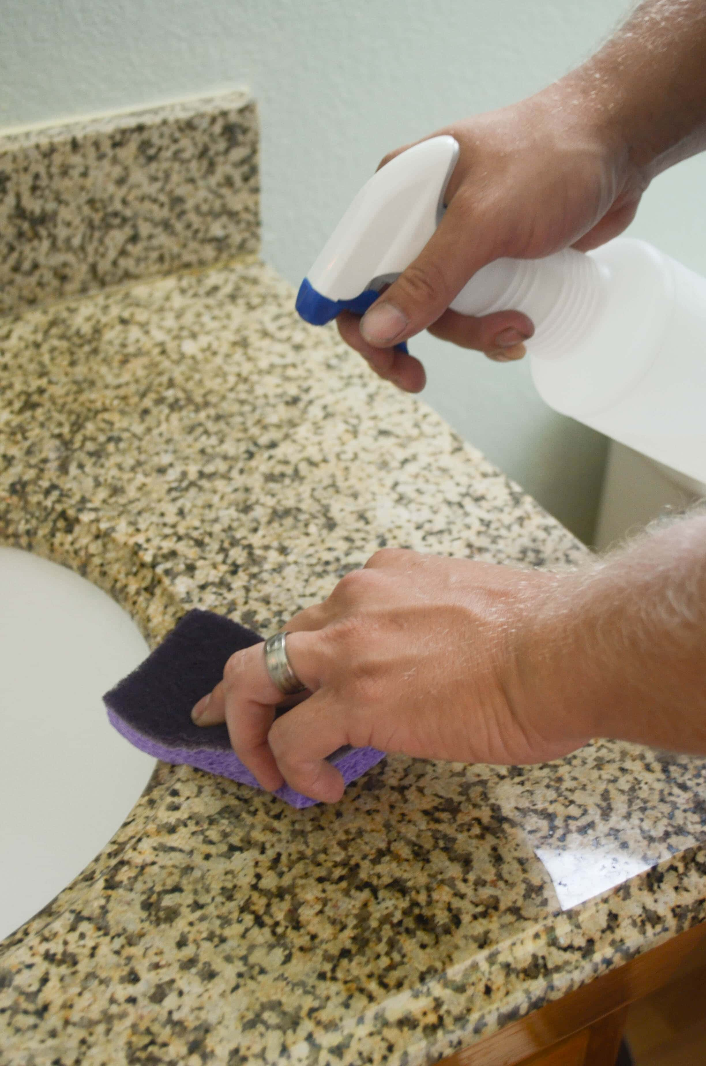 5 Bathroom Cleaning Tips with Scotch Brite   Simple cleaning tips to get your home. 5 Bathroom Cleaning Tips   Mommy Hates Cooking