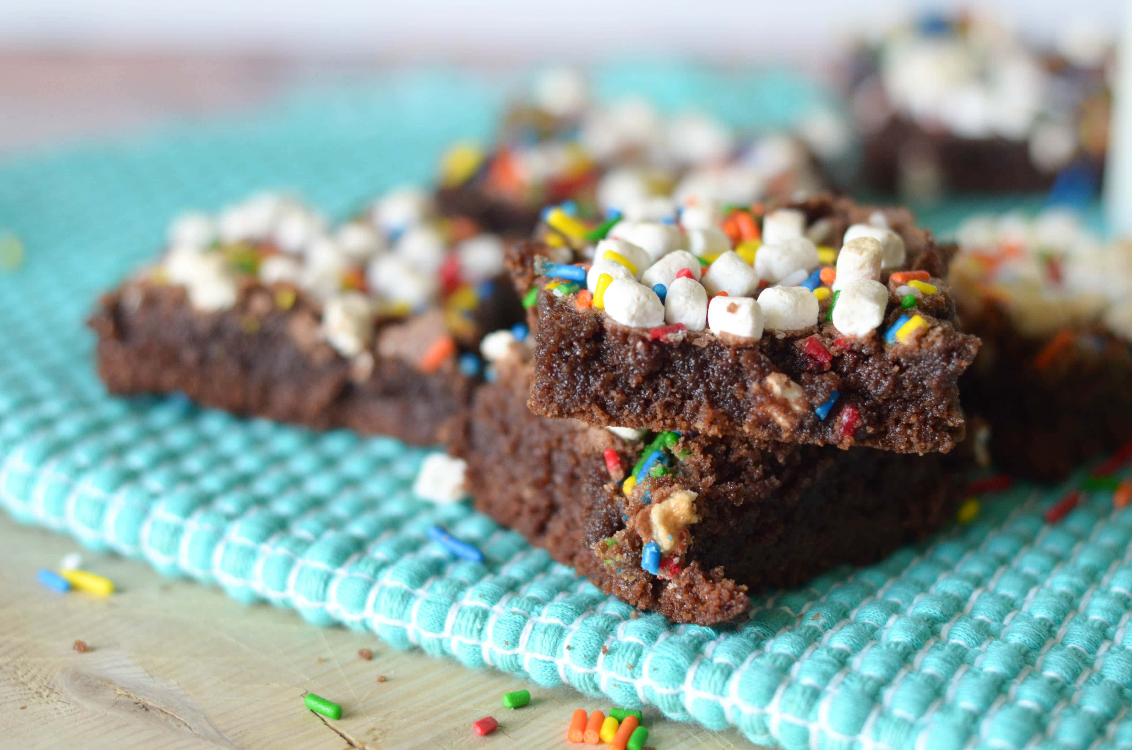 Hot Chocolate Brownies - Mommy Hates Cooking