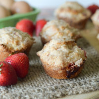 Strawberry Crumble Muffins