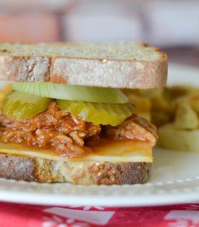 Pulled Pork Sandwiches & Veggies