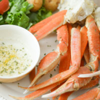 Snow Crab Legs with Garlic Butter