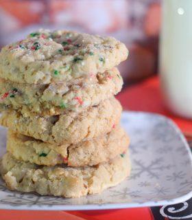 Classic Christmas Crinkle Cookies