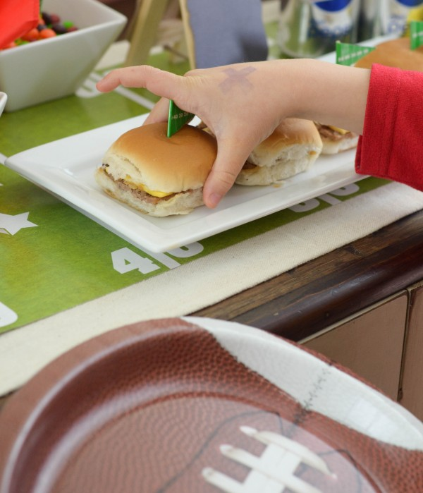 SNICKERS® Cheesecake & Game Day Glory Party #GameDayGlory #ad