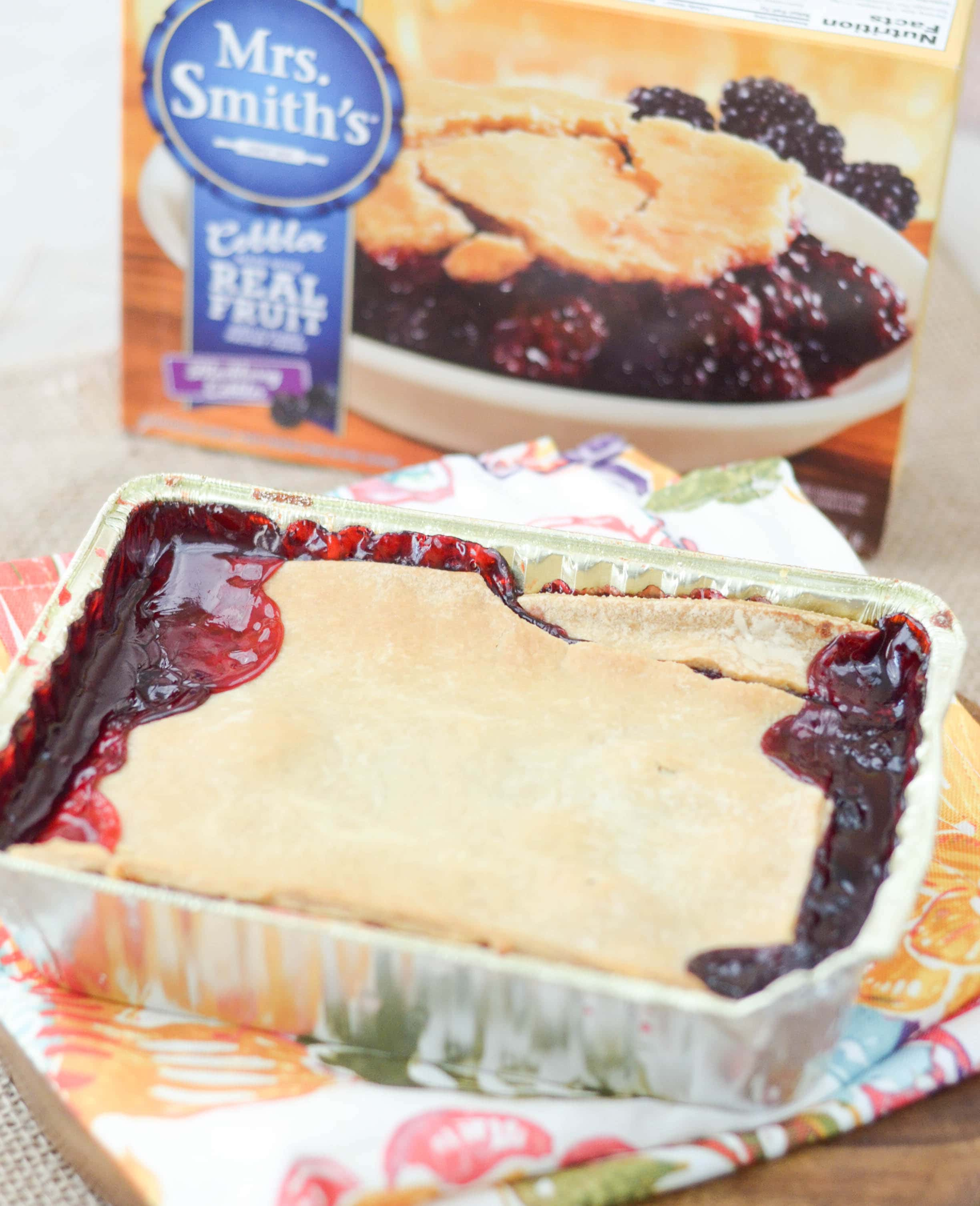 ... ? Then, you are in luck with this Blackberry Cobbler Ice Cream Cake
