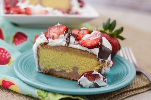 No Bake Chocolate Covered Strawberry Cake