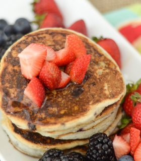Gluten Free Pancakes with Berries