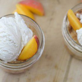 peach-cobbler-in-a-jar-4