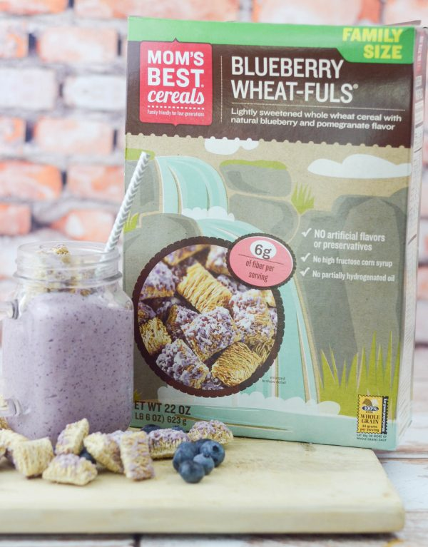Blueberry Wheat-fuls Smoothie #MomsBestCereals #ad