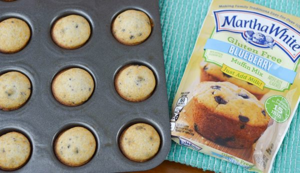 Blueberry Mini Muffins #MarthaWhiteCountry #ad