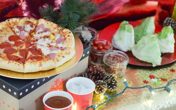 Holiday Pizza Party #FreschettaFresh #ad