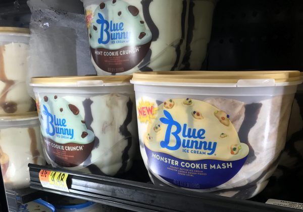 No Bake Blue Bunny® PB 'N Cone™ Ice Cream Pie #SoHoppinGood #BlueBunny AD