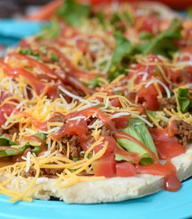 How to Host a Backyard Fiesta + Grilled Taco Flatbread