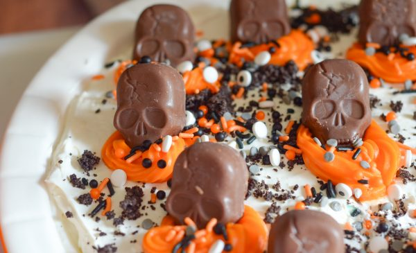Skeleton Graveyard No Bake Pie