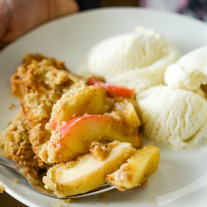 Ninja Foodi Apple Crisp {Gluten-Free}