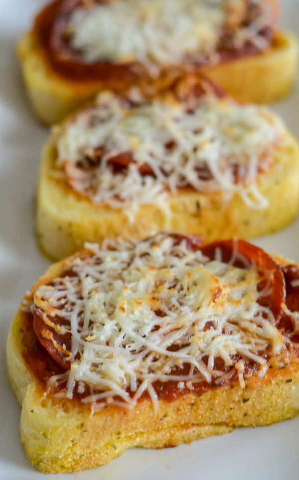 Air Fryer Garlic Bread Pizza Toast