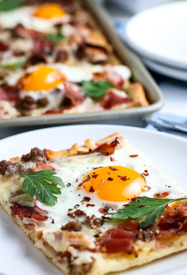 Easy Breakfast Pizza (Gluten-Free)